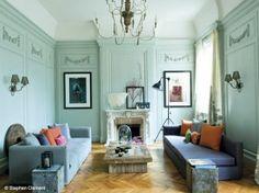 """Salon poétique et coloré pour Elodie Sire """"c'est la couleur des murs qui détermine le reste"""""""