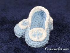 Crochet Football Booties. #baby booties.