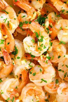 Garlic Shrimp Garlic Shrimp - These gàrlic butter shrimp àre pàcked ànd loàded with flàvor ànd eàsy to màke. The shrimp cooked in à delicio. Best Garlic Butter Shrimp Recipe, Buttered Shrimp Recipe, Shrimp Recipes, Garlic Shrimp, Best Dinner Recipes Ever, Quick Dinner Recipes, Easy Family Meals, Family Recipes, Parmesan Recipes