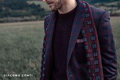 Szal męski od Giacomo Conti. Wykonany z najwyższej jakości  wełny, która idealnie sprawdzi się na jesienno-zimowe dni. Bordowy kolor z oryginalnym niebieskim wzorem świetnie wyróżni każdą męską stylizację. Idealnie sprawdzi się jako drobny upominek. Skład: 100% Wełna Alexander Mcqueen Scarf, Winter, Collection, Fashion, Mont Blanc, Winter Time, Moda, Fashion Styles, Fashion Illustrations