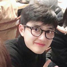Do Kyung Soo, Bts Lockscreen, Kyungsoo, Cute Boys, Kai, Icons, Glasses, Heart, Cute