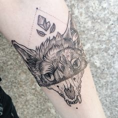 Halved fox, with crystal and leaves by Pony Reinhardt of Tenderfoot Studio in Portland, OR. For more, follow on IG: freeorgy