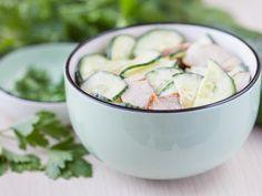 Insalata di pollo allo yogurt e cetrioli: Ricette d'Insalata di pollo allo yogurt e cetrioli - Tutto Gusto
