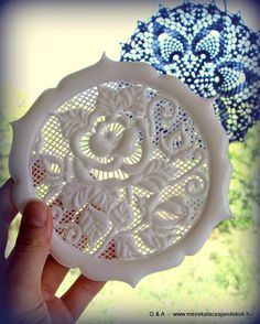 Gorgeous lace rose snowflake in royal icing by Anikó Vargáné Orbán