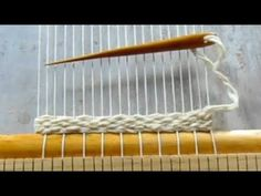 Texture Art, Clothes Hanger, Loom, Crochet Projects, Diy And Crafts, Knit Crochet, Weaving, Knitting, Ideas