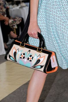See every last detail from shoes and jewels, to bags and belts, from the Antonio Marras Spring 2013 Ready-to-Wear show. Stylish Handbags, Fashion Handbags, Fashion Bags, Prada Handbags, Fashion Plates, Milan Fashion, Luxury Bags, Luxury Handbags, Purses And Handbags