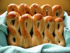 Low Sodium Pretzels - wanna dip these in mustard! Low Sodium Bread, Low Sodium Snacks, No Sodium Foods, Low Sodium Diet, Low Sodium Recipes, Low Sodium Desserts, Low Sodium Pizza, Low Carb, Dash Diet Recipes