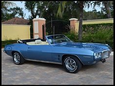 FRIDAY  17th--- Lot J129 1969 Pontiac Firebird Convertible 350/265 HP, Automatic -- $13,350 -$24,600 -$47,100