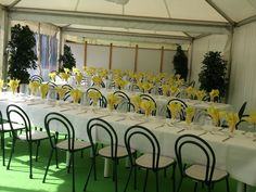 Party Geschirr günstig mieten www.help-org.at in Kärnten Table Decorations, Party, Furniture, Home Decor, Event Management, Tent Camping, Interior, Homemade Home Decor, Home Furnishings