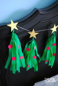 Making a tissue tassel garland is way easier than you think. You can even dress up your garland to look like Christmas trees -- I'll show you how. Christmas To Do List, Cheap Christmas Gifts, Thoughtful Christmas Gifts, Christmas On A Budget, Christmas Makes, All Things Christmas, Christmas Holidays, Christmas Crafts, Church Christmas Decorations