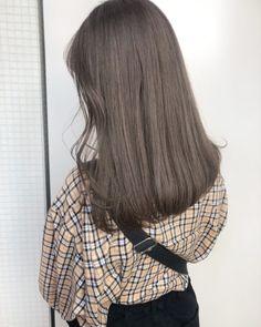暗めなカラー履歴のある方にも◎赤みをしっかり抑えるオリーブベージュ♡ALIVE kichijoji 西村なる美 |ALIVE(アライブ)表参道・原宿・吉祥寺|グラデーションカラー、ハイライトカラー Permed Hairstyles, Cool Hairstyles, Ashy Hair, Brown Hair Shades, Cute Haircuts, Aesthetic Hair, New Hair Colors, Long Hair Cuts, Face Hair