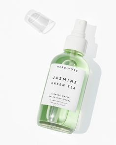 Organic Jasmine Water is infused with oil reducing antioxidant rich Green Tea, blemish fighting White Willow Bark, soothing Aloe Vera and toning Witch Hazel in this botanically balancing blend. Tips for Use: Shake before using. Spritz your face a few time Drug Store Face Moisturizer, Makeup Moisturizer, Moisturizer With Spf, Green Tea Facial, Green Tea Toner, Aloe Vera, Witch Hazel Toner, Face Mask For Pores, French Beauty Secrets