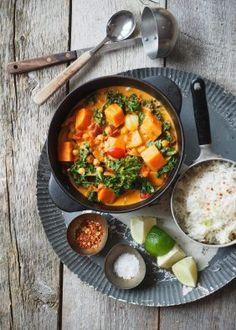 One pot wonder - lettvint gryterett - Mat På Bordet Snacks For Work, Healthy Work Snacks, Healthy Appetizers, Carob Chips, Samosas, Homemade Yogurt, Fall Dinner, Naan, Curry