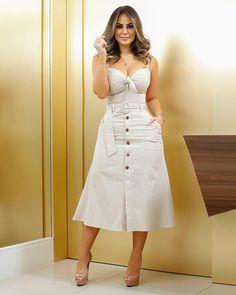 Plus size outfits Beautiful Casual Dresses, Simple Dresses, Sexy Dresses, Modest Fashion, Fashion Dresses, Hijab Stile, Dress Neck Designs, Kurti Designs Party Wear, Plus Size Kleidung