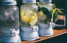 Agua aromatizada para casamento no verão Cucumber, Mason Jars, Kitchen Appliances, Perfect Wedding, Tips, Diy Kitchen Appliances, Home Appliances, Mason Jar, Cauliflower