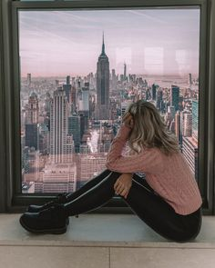 How could I not feel on top of the world here? Nyc Instagram, Best Instagram Photos, The Places Youll Go, Cool Places To Visit, Photographie New York, Nyc Girl, City Girl, Visit New York City, New York Girls