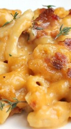 Garlic, Bacon, and Beer Macaroni and Cheese