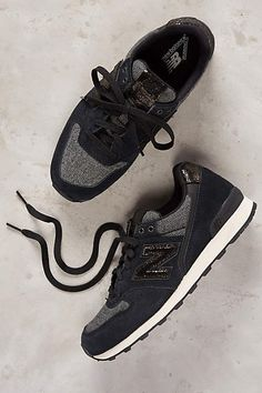 casual every day sneaks / size 8.5 / New Balance Capsule Metallic Sneakers