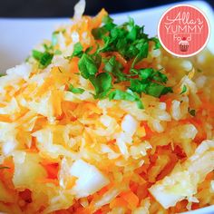 Russian Cabbage Salad. Russian cabbage salad is a very tasty, light and easy to make. It perfectly complements meaty and potato dishes. The Russians often eat it with kotlety (russian burgers) or mashed potatos. Amazing gluten-free, low GI, completely gui