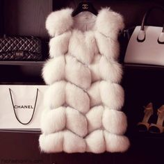 I'd love this is it were faux. White Soft Jacket for Cold by Chanel Fashion Moda, Fur Fashion, Look Fashion, Luxury Fashion, Chanel Fashion, Mode Lookbook, Mode Chanel, Chanel Chanel, Chanel Bags