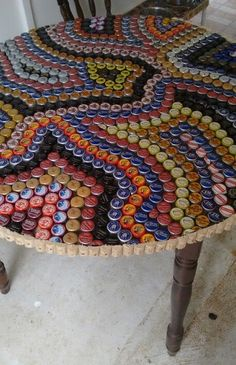 Crafts with Soda Caps Aluminum Can Crafts, Diy Resin Crafts, Diy Arts And Crafts, Recycled Crafts, Creative Crafts, Bottle Top Crafts, Bottle Cap Projects, Plastic Bottle Crafts, Diy Bottle