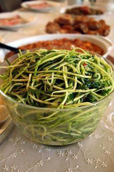 Çiğ Kabak Salatası   Yemek Zevki