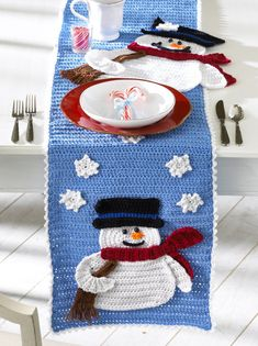 Hey, I found this really awesome Etsy listing at https://www.etsy.com/listing/121441046/frosty-fellows-table-runner-crochet