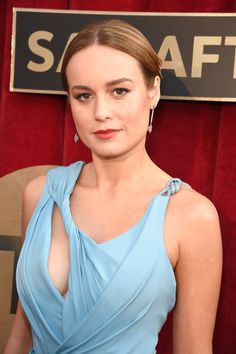 """Brie Larson Knew Her Sexy SAG Awards Dress Was """"the One"""" — and We Couldn't Agree More – Celebrities Brie Larson, Beautiful Celebrities, Beautiful Actresses, Hollywood Actresses, Actors & Actresses, Marvel E Dc, Alison Brie, Ryan Gosling, Gal Gadot"""