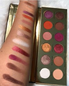 NEED  Coloured Raine Queen of Hearts palette