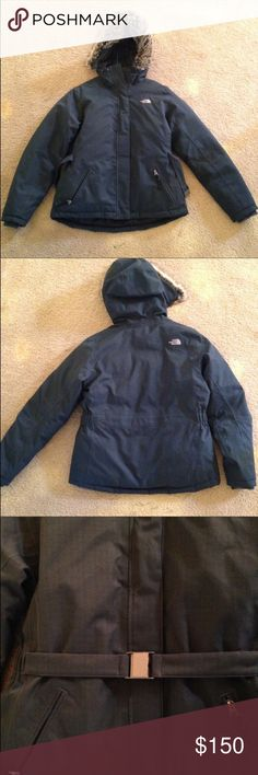 North Face Parka EXCELLENT new condition!!!! Reposhing because it's a little tight on me! Jackets & Coats