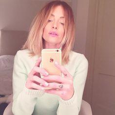 Caroline Receveur-Instagirl-Instagram-Sexy-Jolie-Fille-Blonde-Blogueuse-Mode-TV-NRJ12-France-Francaise-effronte-01