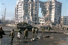 Russian soldiers in Grozny, Chechnya, first chechen war