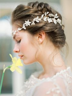 Daffodil Inspired Bridal Session - Olga Plakitina Photograph