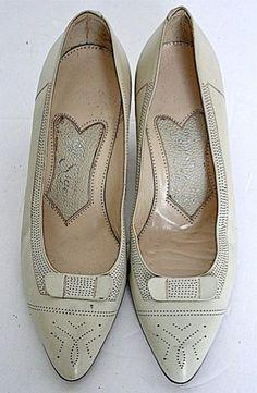 50's cream leather vintage kitten heel shoes-UK 2½