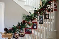 Christmas garland - great Christmas card/photo display. #Stairs, #Christmas, #staircase, #Garland, #Cards, #Decorating, #Decor