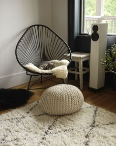 Soetkin from this post By Nathalie Priem from this post Street from this post . Cozy Corner, Home Reno, Decorating Blogs, Cat Love, Hanging Chair, Your Space, Interiors, White Decor, Scandinavian