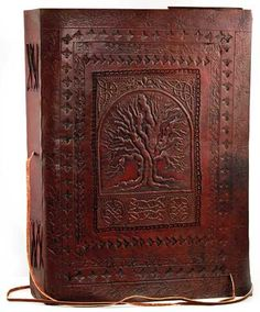 So beautiful! One day I would love to learn book binding... It would really save me a fortune.