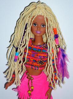 Crimp and Bead Sindy Vintage Barbie Kleidung, Vintage Barbie Clothes, Vintage Dolls, Barbie 1990, Barbie And Ken, Barbie Furniture, 90s Childhood, Childhood Memories, Rasta Hair