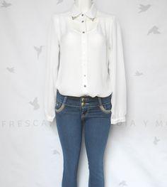 Camisa blanca manga larga chica $289