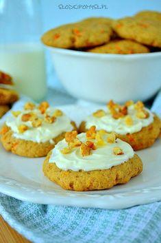 Miękkie ciasteczka z marchewką są idealne dla najmłodszych. Na przyjęcie dziecięce można udekorować je polewą i posypać kolorowymi posypkami. Cheesecake, Muffin, Cooking Recipes, Sweets, Meals, Breakfast, Desserts, Mario, Food