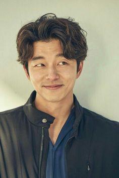 Gong Yoo in Still dating his Single ? Does Gong Yoo have tattoos? Gong Yoo Smile, Yoo Gong, Korean Star, Korean Men, Asian Actors, Korean Actors, Goblin Korean Drama, Goong Yoo, Goblin Gong Yoo