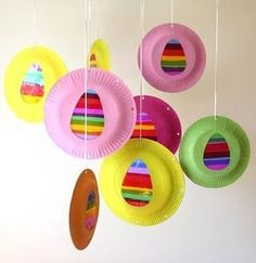 Well over 200 kid's crafts using paper plates! Children love paper plate crafts, and grown ups love how inexpensive they are. Easter Art, Easter Bunny, Easter Eggs, Easter Decor, Easter Centerpiece, Easter Table, Paper Plate Crafts, Paper Plates, Easter Activities