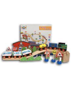 Houten treinbaan. Erg leuk, tegengekomen op www.speelgoedmannetje.nl