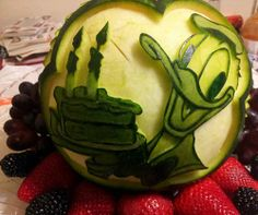 WATERMELON SCULPTURES | Donald Duck watermelon carving by Mariano Orozco. Nita's pattern ...