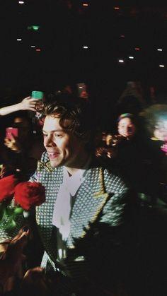 """these kind of pictures of harry styles; Harry Styles Tattoos, Harry Styles Fotos, Harry Styles Merch, Harry Styles Mode, Harry Styles Pictures, Harry Edward Styles, Niall Horan, Zayn Malik, Harry Styles Lockscreen"