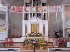 Alleluia banner - made by kids and displayed on Easter  ...have them color, design something each week of Lent... Then those are put together for Easter