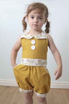 pattern review for this adorable Adelaide Vintage romper pattern - so cute! itsalwaysautumn.com