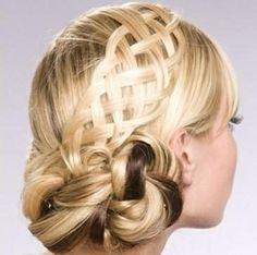 плести косы Braided Hairstyles For Wedding, Braided Updo, Pretty Hairstyles, Wedding Braids, Hair Wedding, Amazing Hairstyles, Bridal Hairstyles, Creative Hairstyles, 5 Strand Braids