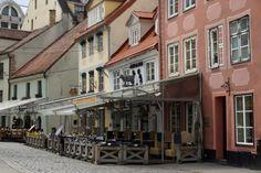 Kawiarenki w samym centrum Rygi. Łotwa. Fot. Jan Gołąb