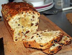 Suikervrij Paasbrood Dutch Recipes, Bread Recipes, Sweet Recipes, Healthy Recipes, Healthy Food, Piece Of Bread, Cake Cookies, Sugar Free, Banana Bread